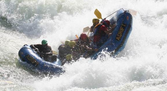 Whitewater Rafting at the Nile, Uganda: pic source - Classic Uganda