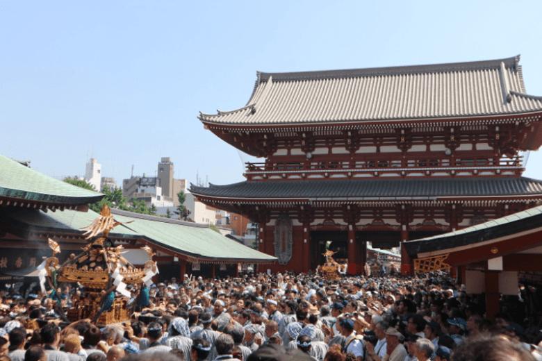 festival sanja matsuri by www.city-cost.com