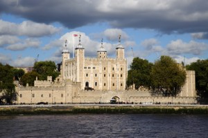 tower of london half day tour with a london tour guide
