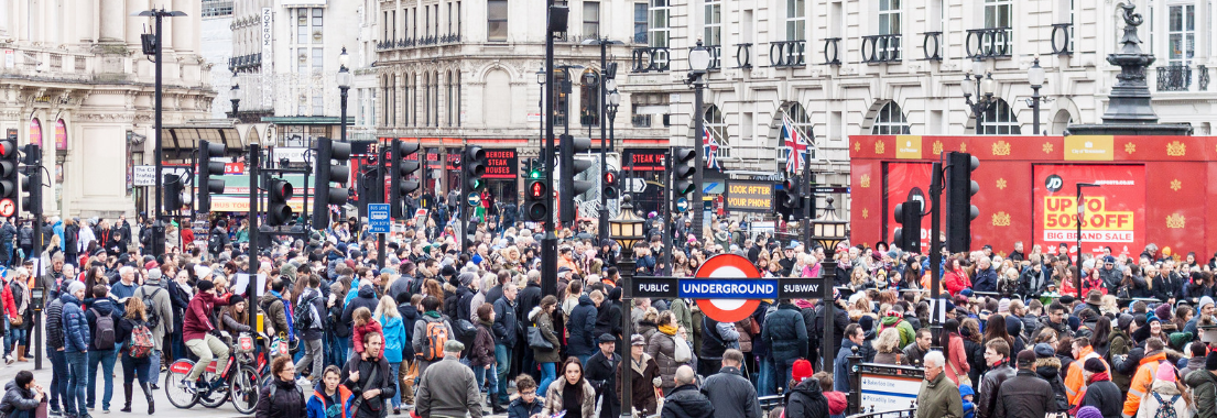 when to shop in london to avoid crowds