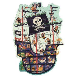Le bateau des pirates géant
