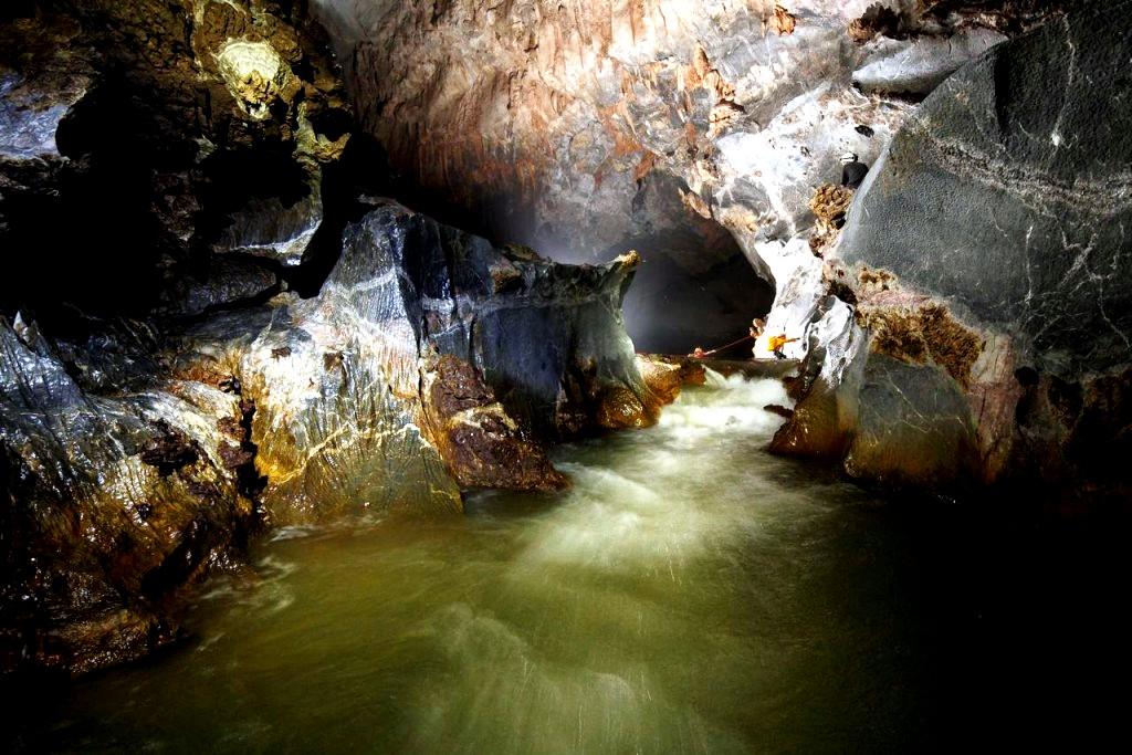 подземный поток