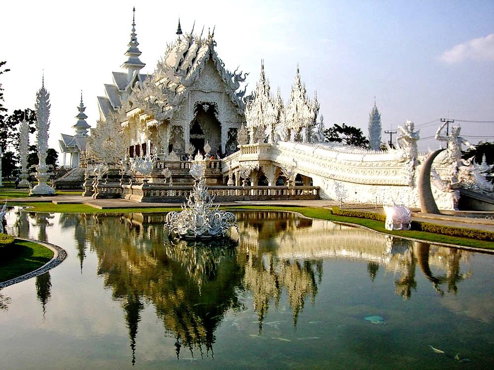 удивительный белый храм