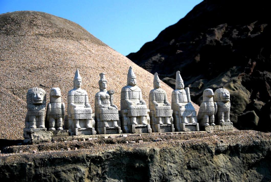 божества горы немрут