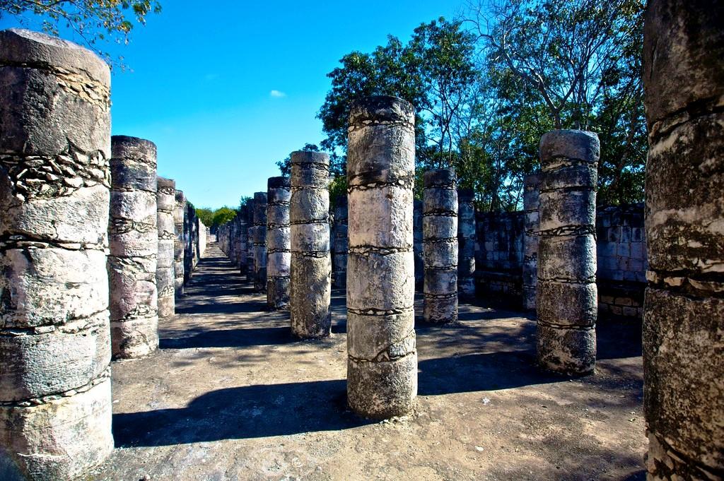 площадь колонн