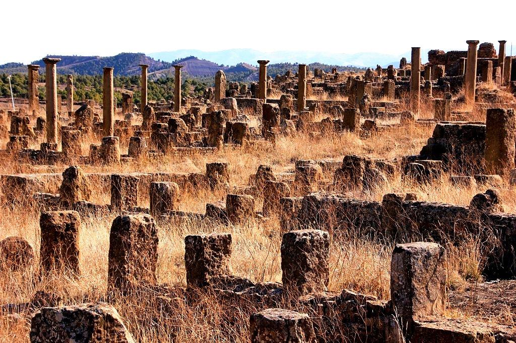 руины тимгада