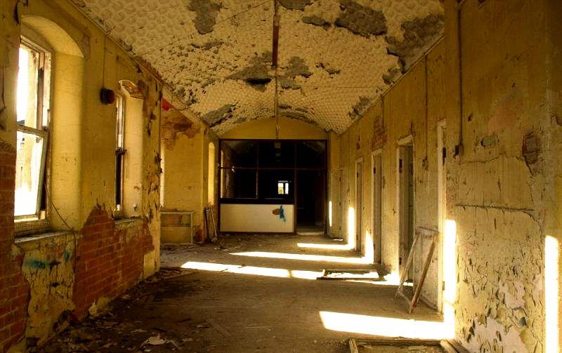 коридоры госпиталя Сент-Джон
