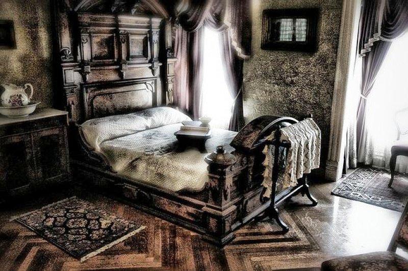 спальня дома Винчестеров