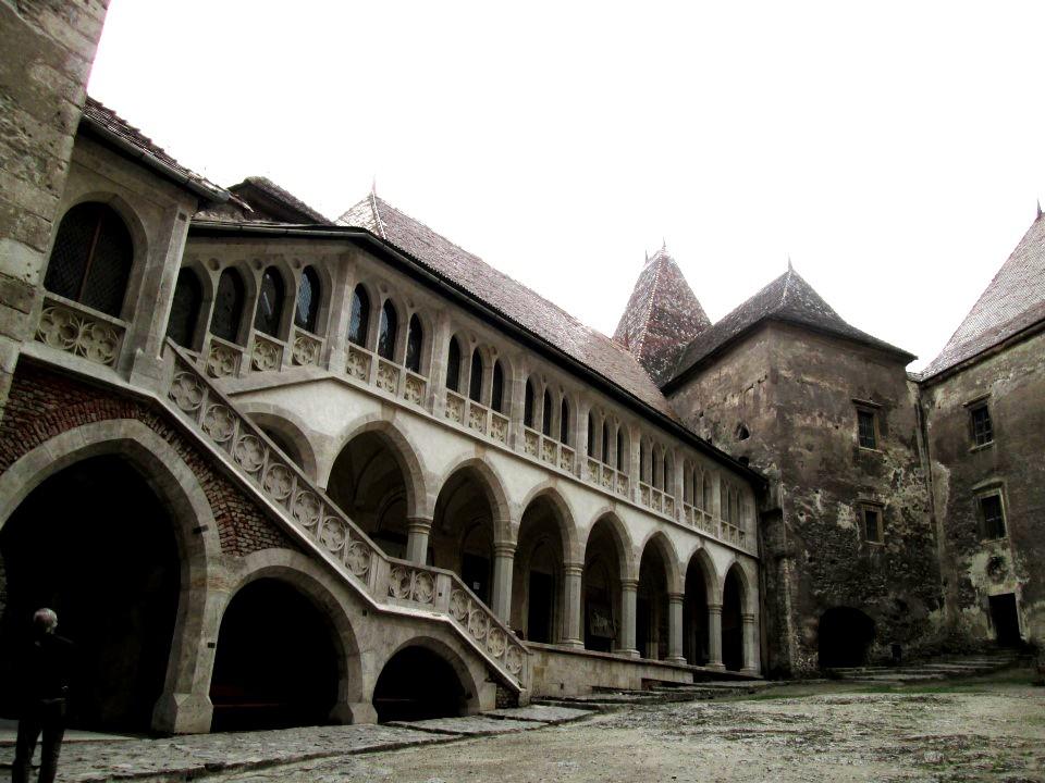 укрепления замка Корвина