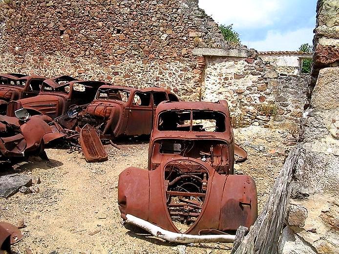 разбитые машины Орадура