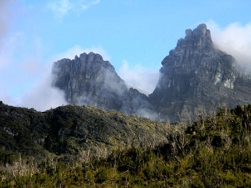 гора пунчак-джая