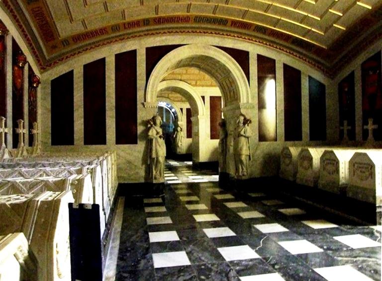 коридор в пантеоне
