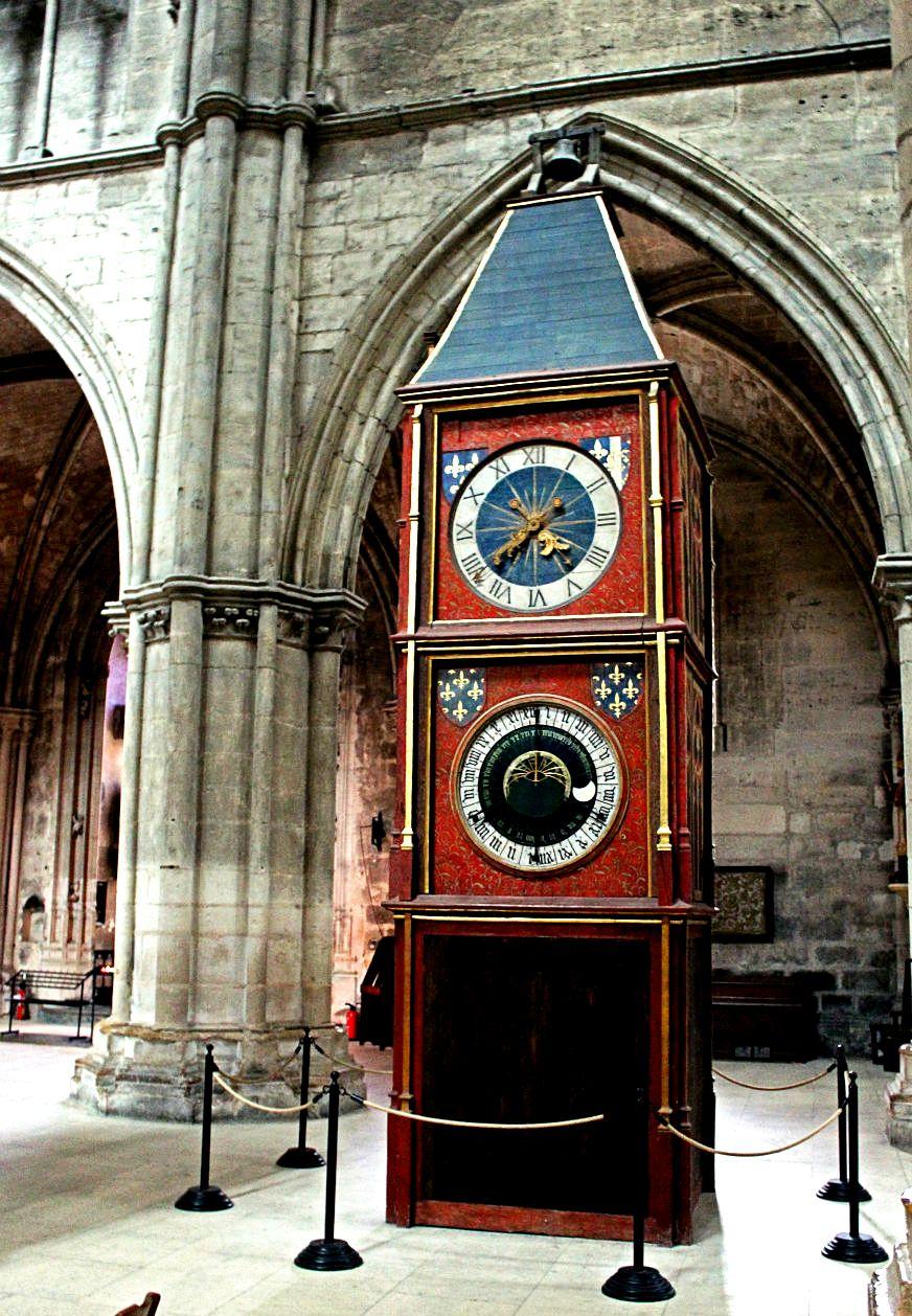 часы буржского собора