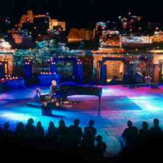 Elton John in Ephesus Theater