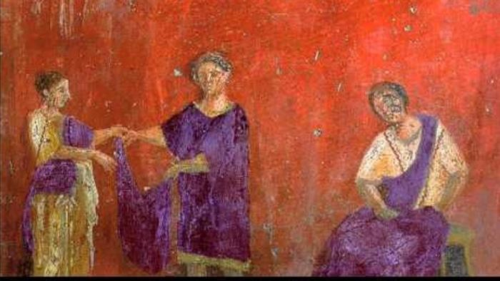Color Purple Shown as the Sign of Richness in Roman Frescoes