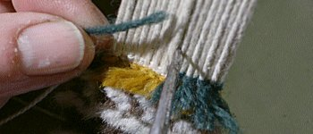 How do they make Turkish carpet knots?