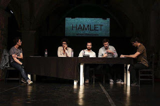Hamlet Roman Jean-Elie Shakespeare wet theatre
