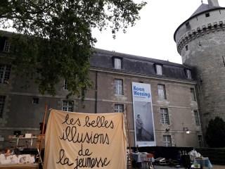Illusions perdues d'Honoré de Balzac par le Nouveau Théâtre Populaire spectacle joué sur l'esplanade du château de Tours dans le cadre du week-end d'anniversaire de la naissance d'Honoré de Balzac à Tours