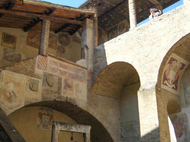 Visiter San Gimignano, fresque