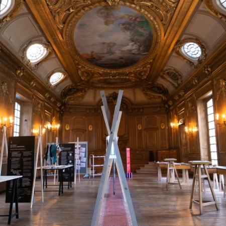 """: Exposition """"Mon beau déchet"""" à la chambre de commerce et de l'industrie de Tours dans le cadre de la France Design Week Loire Valley."""