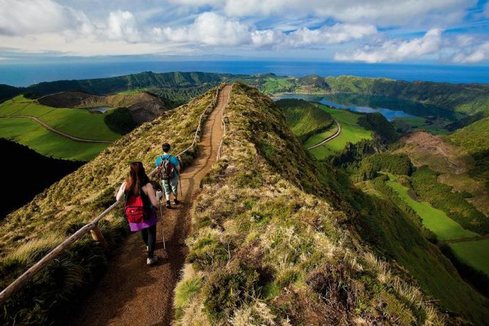hiking sete cidades tour guides disney cruise ponta delgada