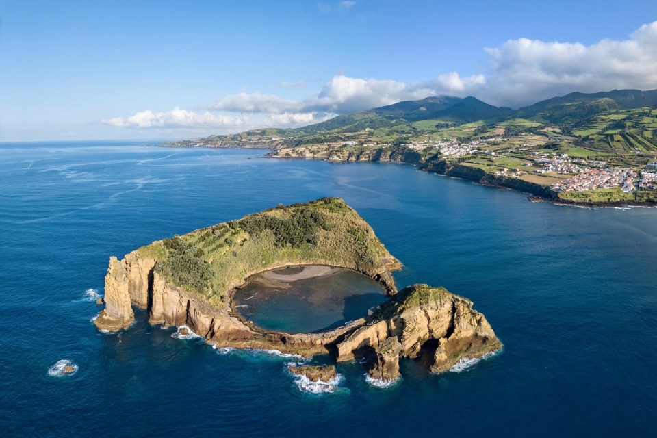 boat tours on Sao miguel island of vila franca whale watching eco