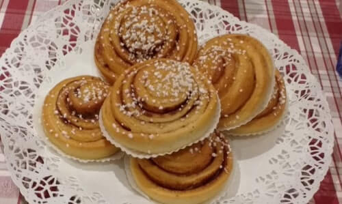 Cinnamon buns are part of the Swedish diet, so don't miss out on one during our Stockholm food tour