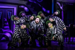 3943_ALEX-BRIGHTMAN-and-COMPANY-in-BEETLEJUICE-Photo-by-Matthew-Murphy-2019
