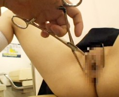 【JCレイプ盗撮動画】産婦人科の分娩台に乗せられクスコでパイパンを広げて診察される少女を隠し撮り…