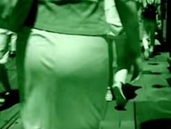 【街撮り盗撮動画】赤外線カメラでタイトスカート素人を背後撮り…白下着が丸見えになった件ww