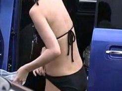 【水着隠撮動画】車の陰に隠れて海で濡れたビキニ水着を着替える素人ギャルたちを隠し撮りww