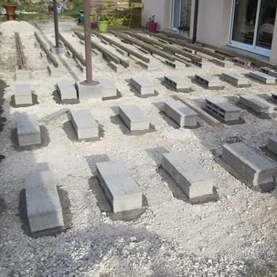 Pose de terrasse sur parpaings