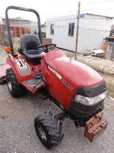 tracteur Case IH FARMALL DX18E