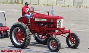 tracteur Farmall 350 HI-CLEAR