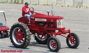 tracteur Farmall 350 HI-CLEAR