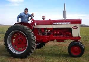 tracteur Farmall 460