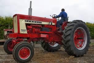 tracteur Farmall 656