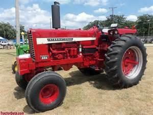 tracteur Farmall 856