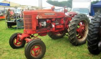 tracteur Farmall SUPER MD