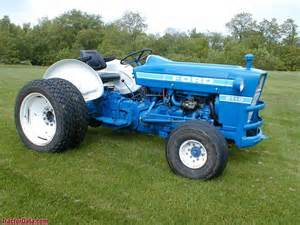 tracteur Ford 2110