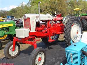 tracteur Ford 740