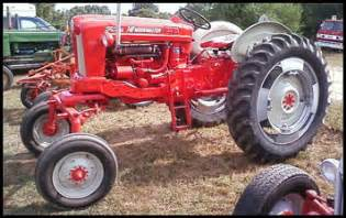 tracteur Ford 741