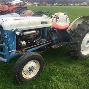 tracteur Ford 860