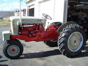 tracteur Ford 960