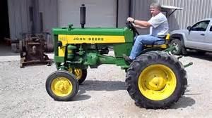 tracteur John Deere 330