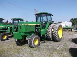 tracteur John Deere 4560