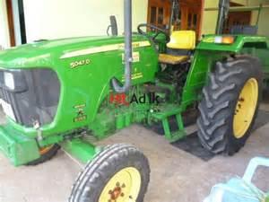tracteur John Deere 5047D