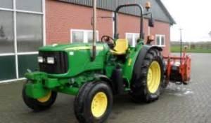 tracteur John Deere 5515
