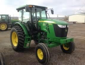 tracteur John Deere 6105D