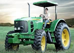 tracteur John Deere 6110E